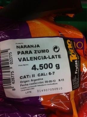 Mercadona apuñala a los agricultores valencianos importando naranjas de Argentina.